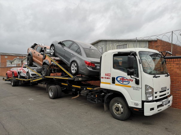 Auto freight vehicle transporters